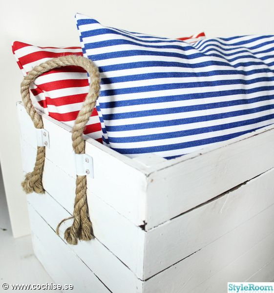red + blue stripes
