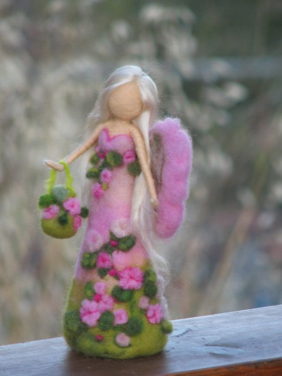 Aguja de fieltro Flores hadas waldorf inspirado por Made4uByMagic