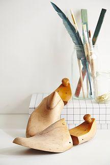 Model sko i træ - 150kr. Køb dem på www.loppedesign.dk