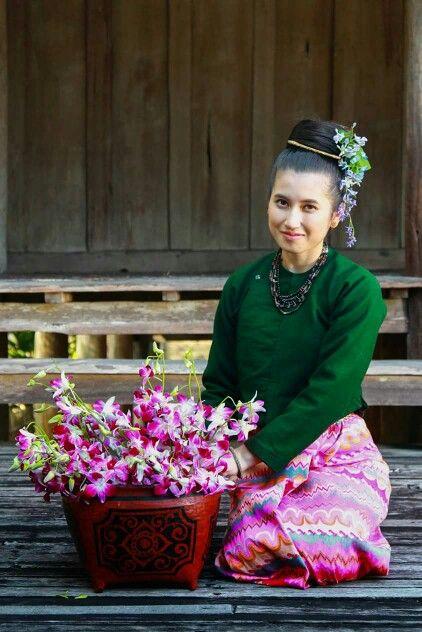 Thai Lanna dress