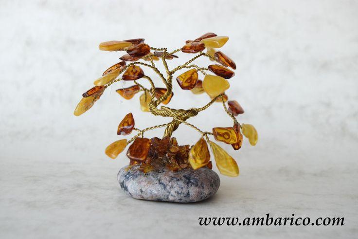 Arbol decorativo con lagrimas de ambar baltico de www.ambarico.com por DaWanda.com
