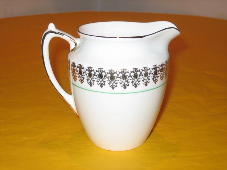 VINTAGE WINDSOR GOLD LUSTRE MILK JUG  (0.2/385) ie.picclick.com