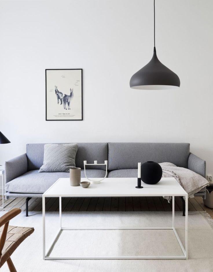 Produkten Muuto Outline soffa, grå, visningsex. säljs av Kvart i vår Tictail-butik. Tictail låter dig skapa en snygg nätbutik helt gratis - tictail.com