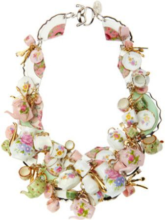 Pretty necklace  ~ Bekah ❤ | I know someone that would love this.