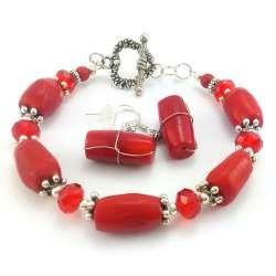 Komplet biżuterii damskiej z czerwonym koralem, kryształkami szklanymi i sercem