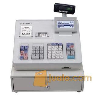 Menggunakan system dua printer. Didesain yang mirirp dengan adiknya yaitu Sharp XE - A207. Mesin kasir ini juga mampu dan dapat mencetak alphabet(huruf) dan numeric(angka) pada struk nota kasirnya