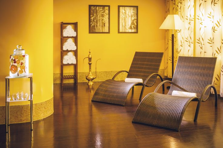 HAPPY FRIDAY!!! Time to take a Break and Relax... Wouldn't you want to lounge on on these chairs right now? Then head over for a Spa Weekend Getaway to the fabulous Tree of Life SPA Resort****S in the Czech Republic! 💛💛💛 | Visit our website for exclusive spa package deals! besteuropeanhealthspas#RomanticGetaway #PureRelaxation #LuxurySpa #LuxuryHotel #WellnessLounge #WellnessDeluxe #WellnessRetreat #SpaWeekend #SpaHoliday #SpaRetreat #SpaWorld #SpaHotel #LuxuryLife #SpaDeluxe…