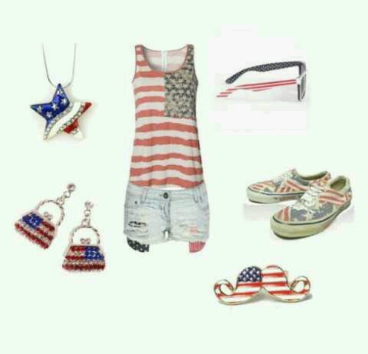 Cool american outfit ! Necklace earrings ring short t-shirt and sunglasses