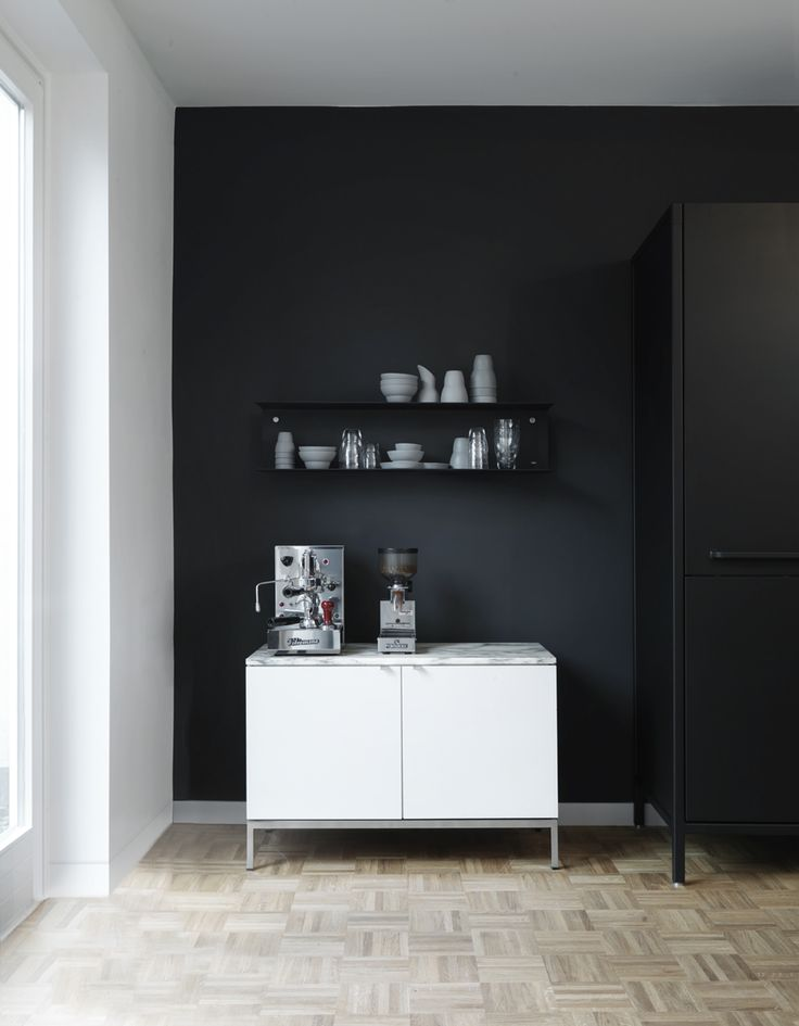 Vipp shelves and ceramics in a Hamburg home