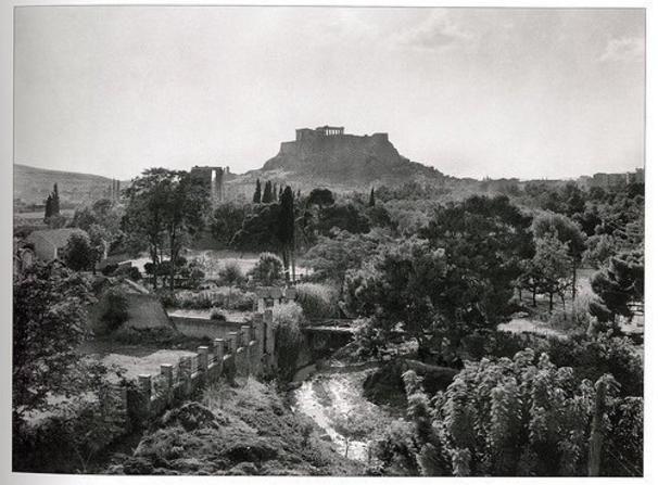 <p>Το Μετς και ο Ιλισός, φωτογραφημένοι από τον λόφο του Αρδηττού, στις αρχές του 20ου αιώνα</p>