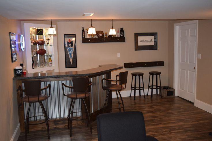 Basement bar and lounge, Sports themed bar