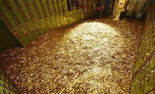 ΚΟΝΤΑ ΣΑΣ: Η πλουσιότερη γυναίκα στον κόσμο κερδίζει 500 ευρώ...