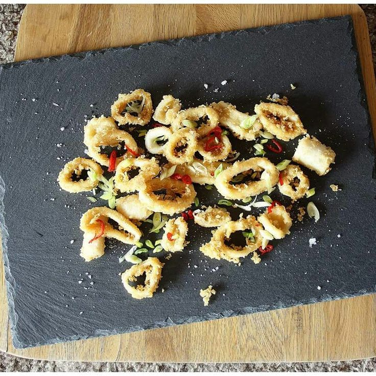 Smažené kalamáry s chilli a vločkovou solí  www.facebook.com/naskokvkuchyni
