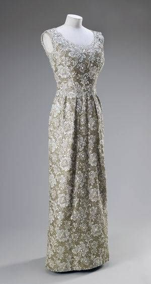 Dress worn by Queen Elizabeth II    Norman Hartnell, 1962
