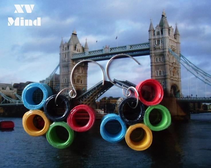 Idea fai da te Olimpiadi... orecchini di cartoncino colorato