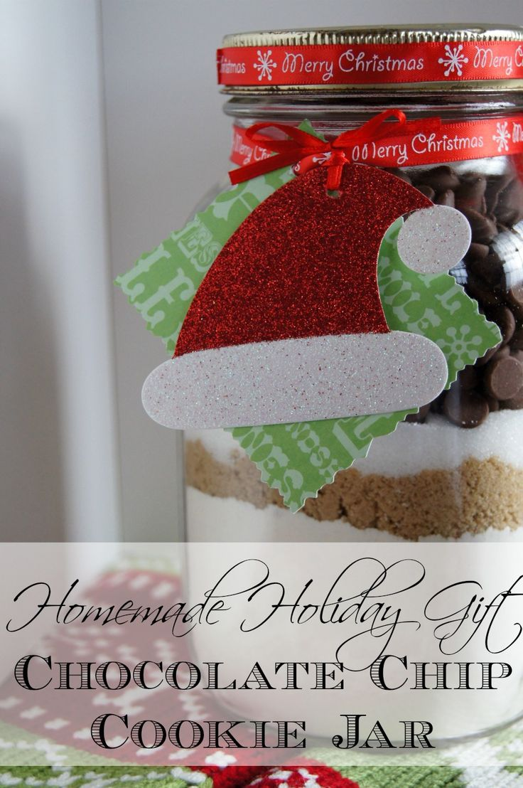 Homemade Holiday Gift: Chocolate Chip Cookies in a Jar http://just-a-sliver.com #holidaygift #homemade #cookies