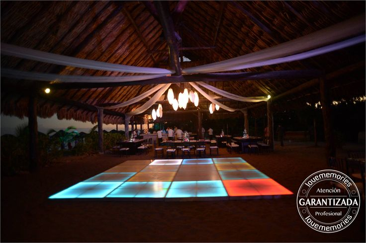 La iluminación ¡es fundamental para tu boda! #LoveMemories #LMpistadebaile #Tubodaenla playa #widdignscancun #thebestdayofmylife #iluminacion