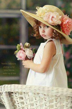 .flower dress and hat little girl