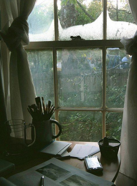 lilliangracenow: When I get a studio apartment, if I have enough space, I'm going to get a second desk where I keep no electronic gear at all, only paper, writing implements, newspapers, markers and stuff like that. :) I can't wait.