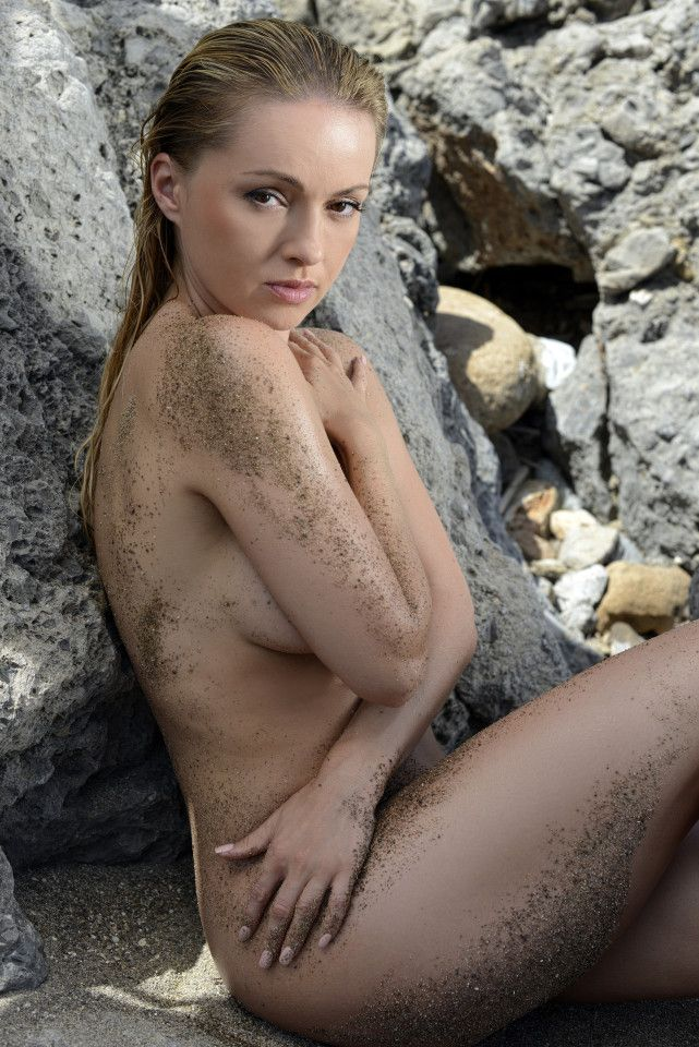 Naked Ola Jordan is sending temperatures soaring in the celebrity jungle