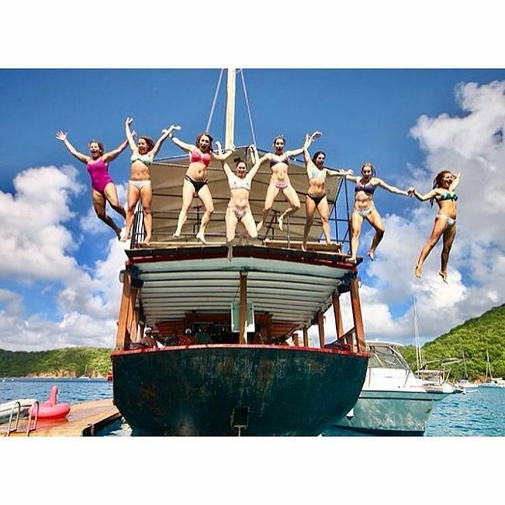 Do you know why they are so happy?  If you could live aboard a luxury #yacht be sailed around by your own personal skipper and for less than the price of a 4-star hotel would you do it? They did! If you have a group of 6 or more contact me Joanne@sailchecker.com right now and let's get planning #justdoit #bestvacationever #bestholidayever #BVI #worldsbiggestpool