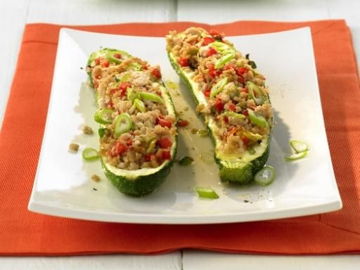 Gefüllte Zucchini-Schiffchen mit Reis - Rezept
