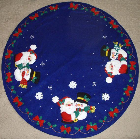 Christmas Pals  - Finished Handcrafted Bucilla Felt Christmas Tree Skirt