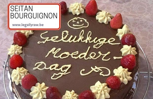 Seitan bourguignon op moederdag. http://legallyraw.be/seitan-bourguignon/