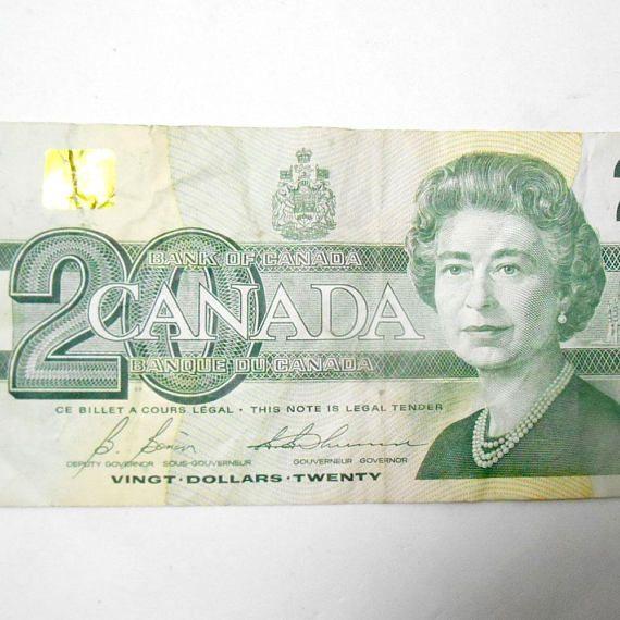 Vintage Bank of CANADA 20 Twenty Dollar Note Bill Ottawa 1991 #bankofcanada #twentydollars #20dollars #dollarbill #note #banknotes #ephemera #papermoney #money #cash #collectibles #exonumia  #etsy #etsyseller #etsyshop #giftideas #vintage #retro