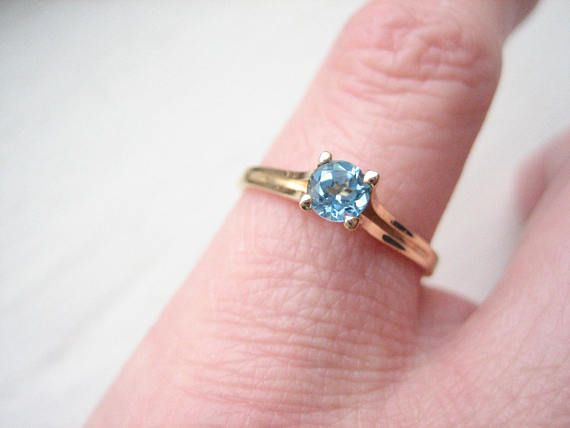 Vintage 10k Gold Blue Topaz Ring Blue Topaz Solitaire 10k Blue Topaz Ring Topaz Ring Blue Rings