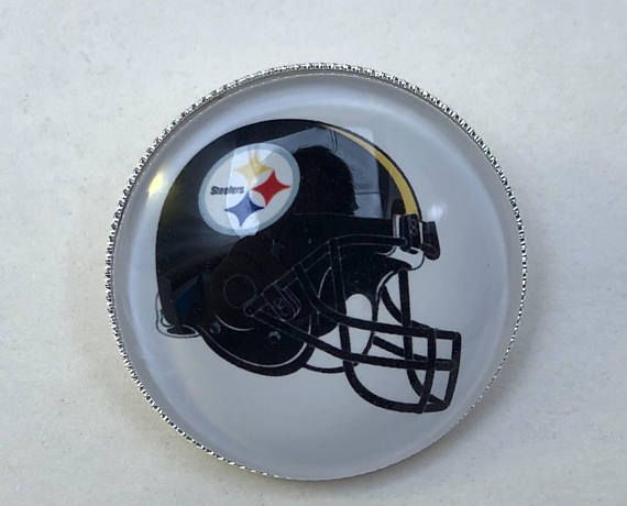 Pittsburgh Steelers Football Helmet Pin/Badge. Great gift for a Steelers fan. 30mm. New, handcrafted.