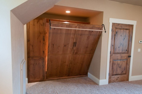 I will have a Murphy bed in my new house :) Im still looking for the perfect southwestern design