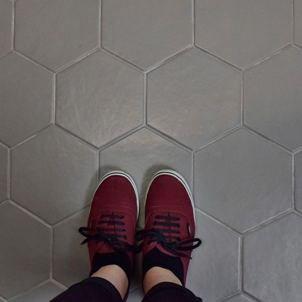 SomerTile 7x8-inch Hextile Matte Grey Porcelain Floor and Wall Tile (Case of 14) | Overstock.com Shopping - The Best Deals on Floor Tiles #modernpoolideas