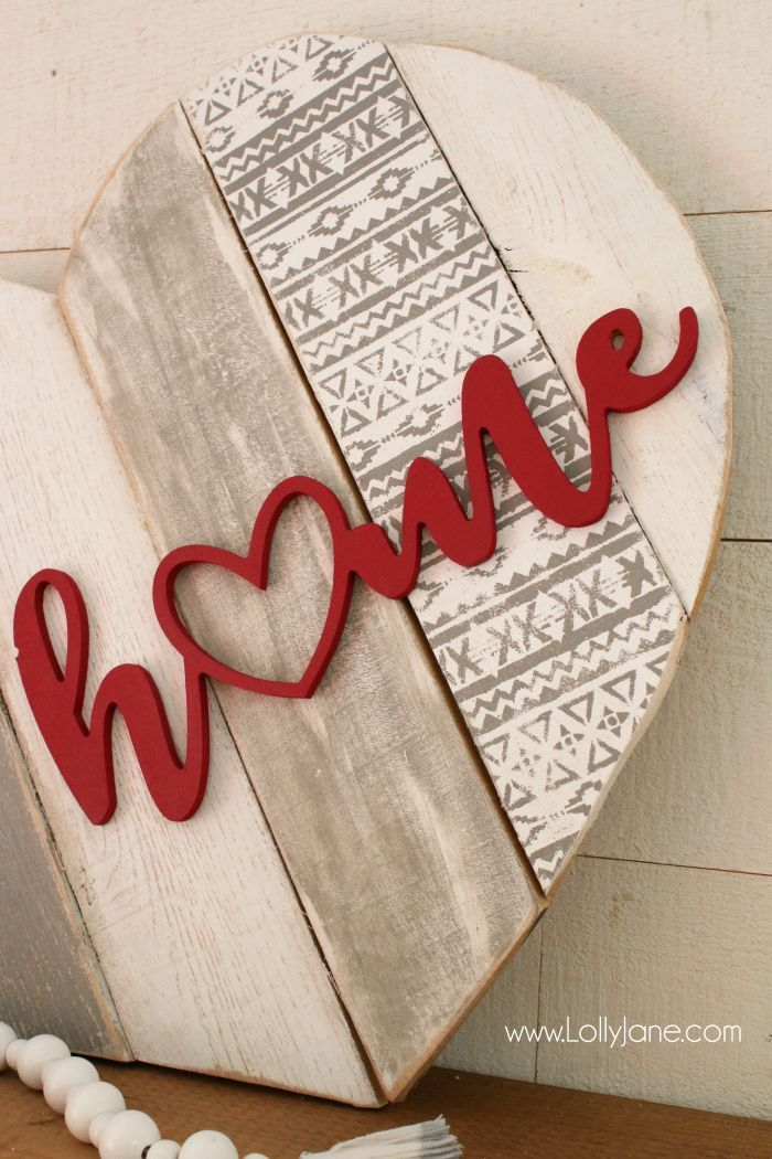 Home Stenciled Pallet Heart Decor
