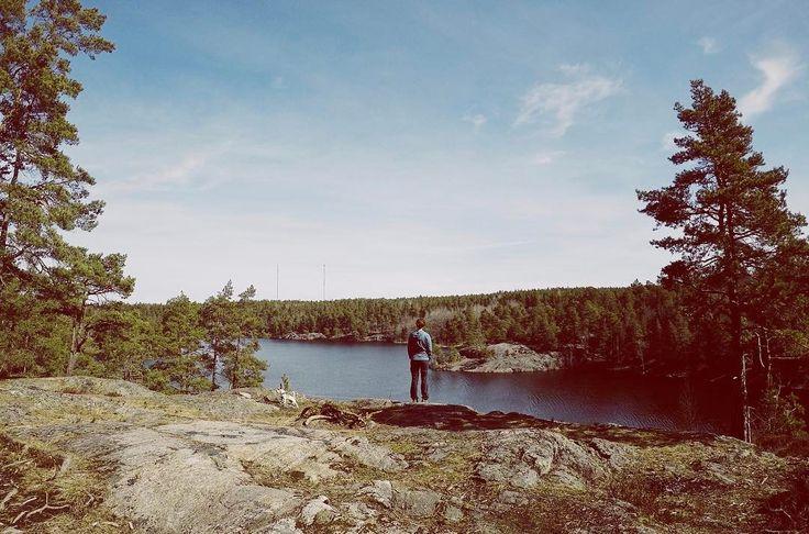 Andades djupa andetag och reflekterade över en helg som blev något annat #openstockholm . . . . #this_is_stockholm #we_love_stockholm #stockholm #visitsweden #sweden #swedishmoments #utomhus #outdoors #outdoorlife #vandring #hiking #hikingwithdogs #nackareservatet #naturen #naturephotography