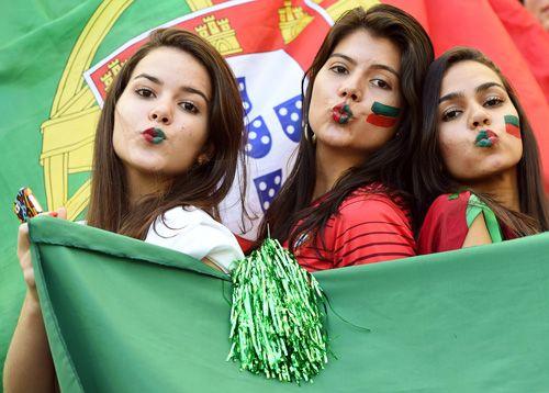 セクシーポーズのポルトガルサポーター - 美女 - 写真特集 : ブラジルW杯特集