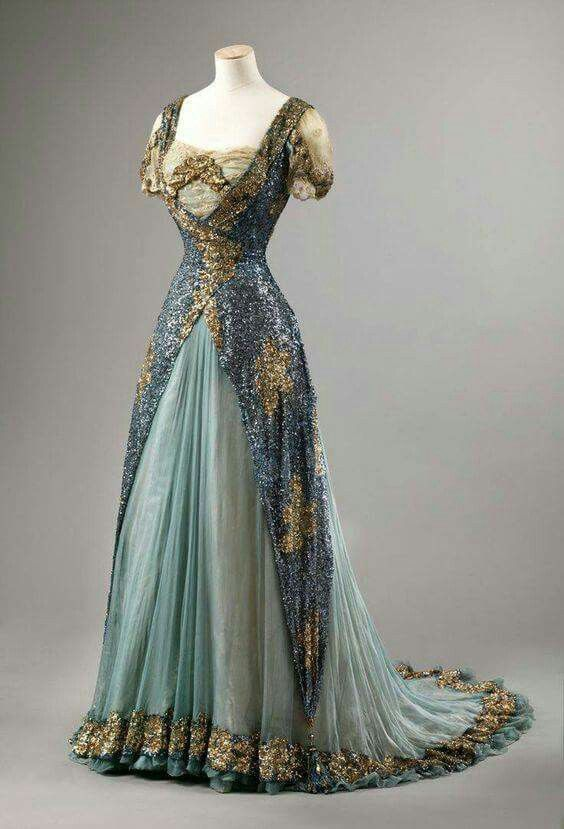 Stunning dress | Evening dress, 1905-10 | Edwardian Era | From the Nasjonalmuseet for Kunst, Arkitektur og Design