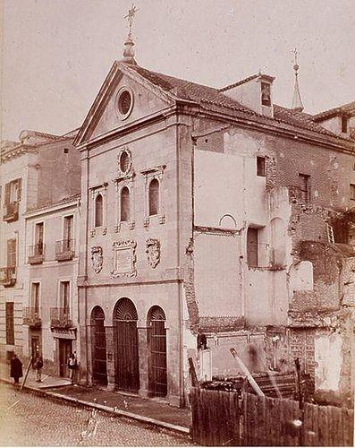 Hacia 1865.Antes de la Gran Vía. Calle de San Bernardo. Convento del Rosario. Fotografía de Laurent. | Flickr: Intercambio de fotos