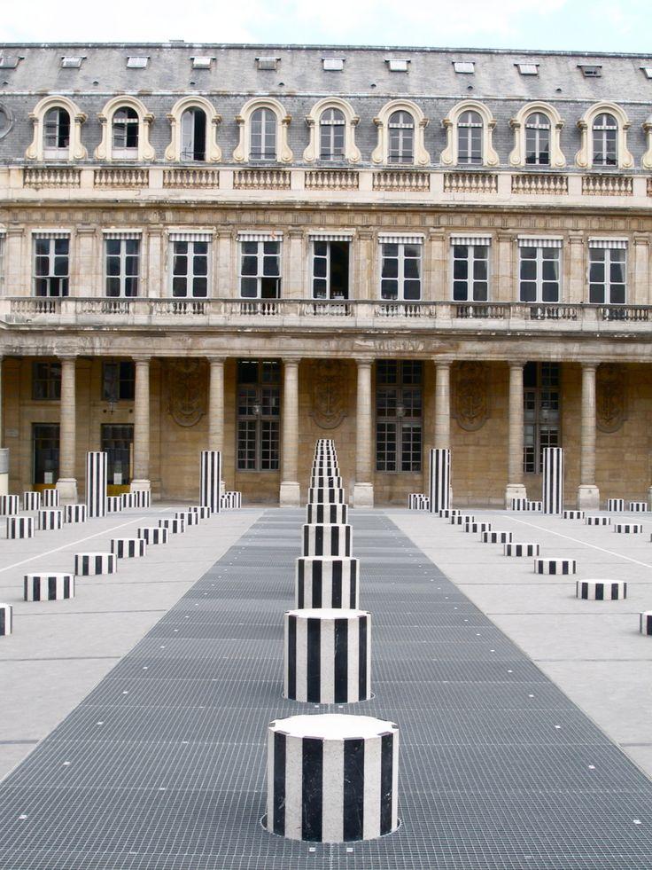 Colonnes de Buren - Buren's Columns - Palais Royal | Paris 1er