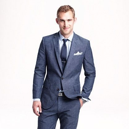 Ludlow suit jacket with double vent in Japanese chambray. Perfect for Miami weather. #looksharp