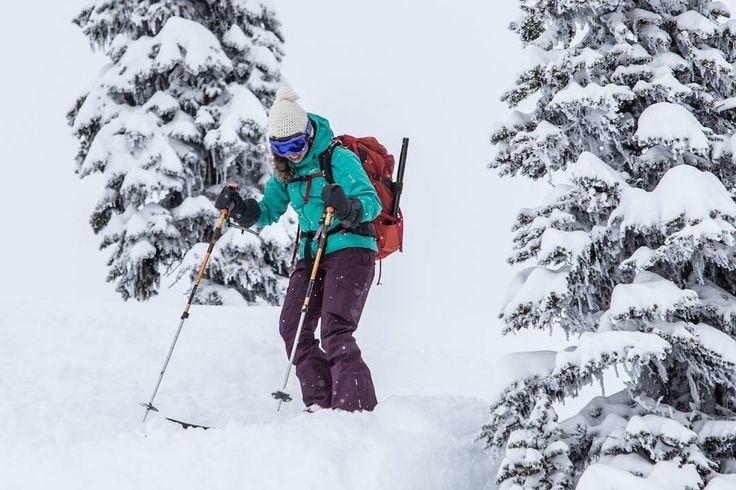 Kat about to drop into a mini chute @blanketglacierchalet  near Revelstoke. #skitouring #skiBC #earnyourturns #liveskirepeat #MountainCultureElevated #ExploreBC #untrackedexperience #snowseekers #spreadstoke @hellobc @backcountrymag