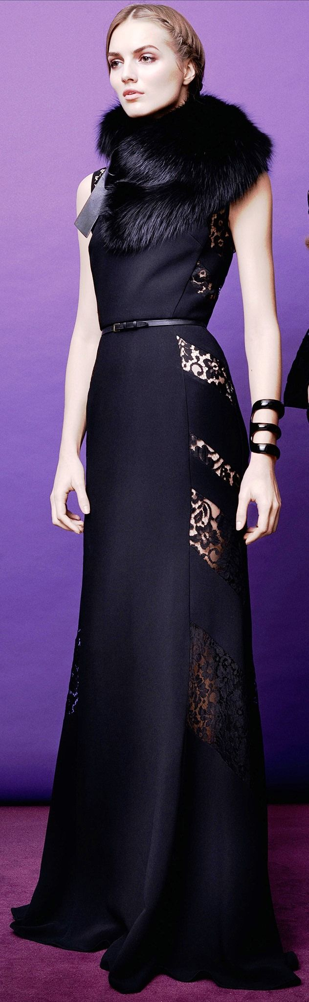 Elie Saab Pre-Fall 2015 http://www.wedding-dressuk.co.uk/prom-dresses-uk63_1