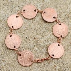 Sweet little bracelet for pennies ;P  via Dreama  little Bigger @Looksi Square