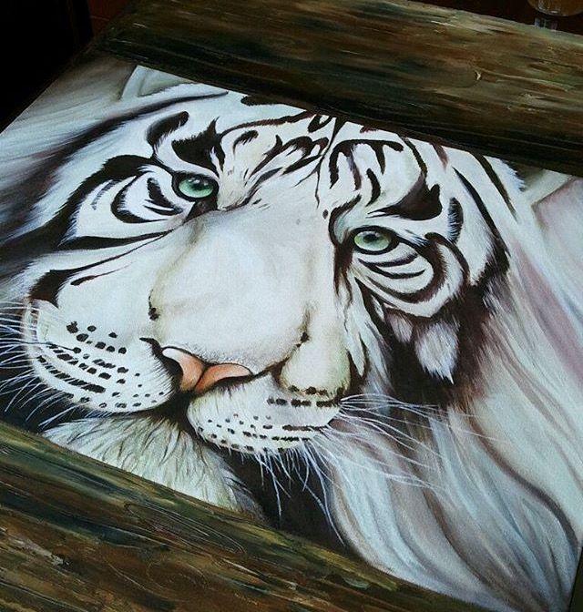 Tigre blanco en óleo