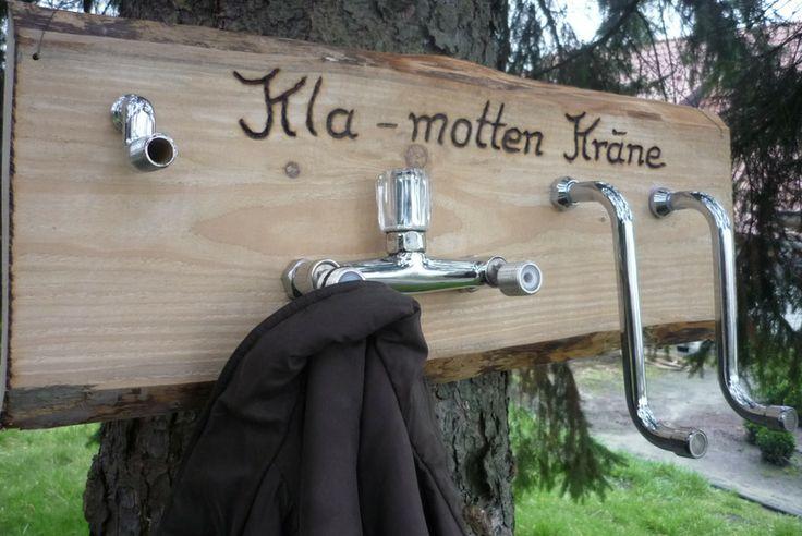 recycling, Wasserhahn, Garderobe---alte Dinge neu verwerten...eine urige Garderobe für Menschen mit Liebe zu außergewöhnliche Wohnideen    von Holz- Kreativ auf DaWanda.com