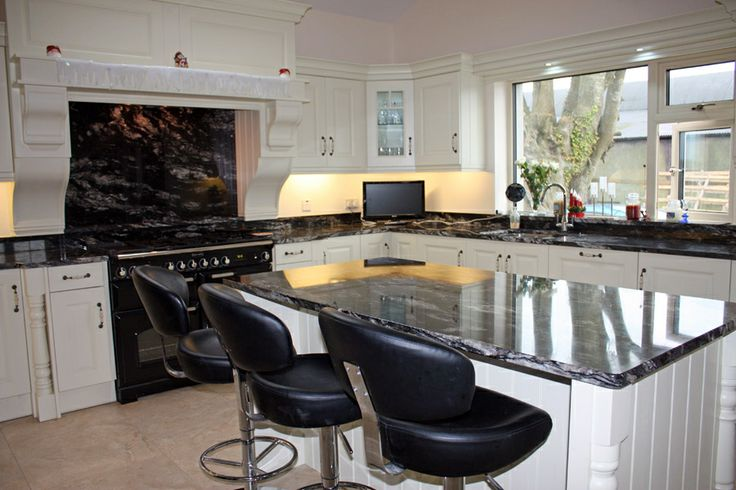 Cosmic black kitchen ideas pinterest cosmic and kitchens for Kitchen remodel ideas black granite