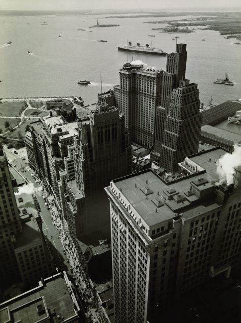 Broadway, New York, 1938 - photo by Berenice Abbott