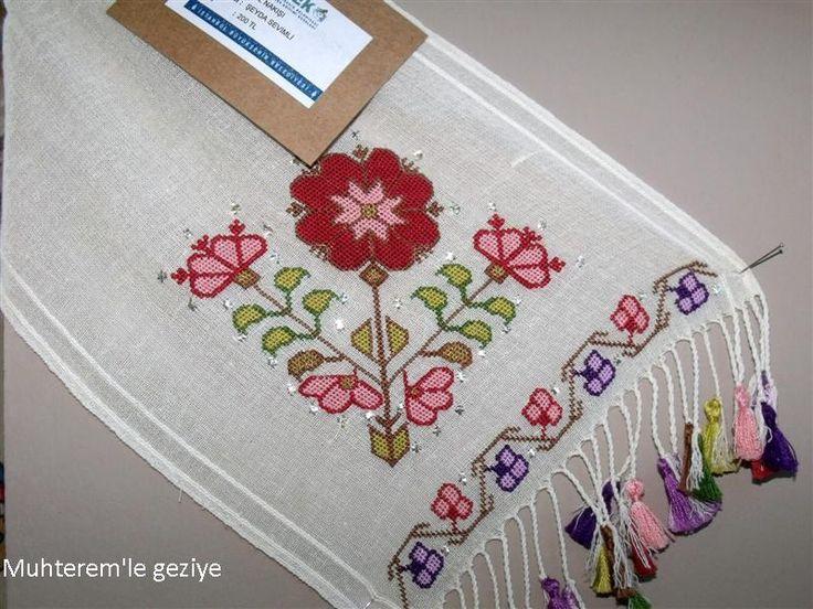 Muhterem 39 le geziye 2012 smek feshane serg s el naki i for Blackbird designs strawberry garden