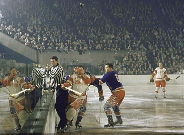 Amazing 1957 photo of a Detroit Red Wings vs. New York Rangers game | Courtesy of Mirabeth B via American Throwback | NHL | Hockey