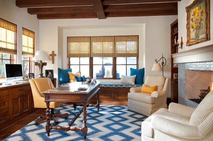 Испанский стиль в интерьере: роскошь и пассионарность в каждой детали http://happymodern.ru/ispanskij-stil-v-interere/ Деревянные балки и камин в оформлении домашнего кабинета